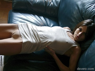 Силуэт обнаженного женского тела