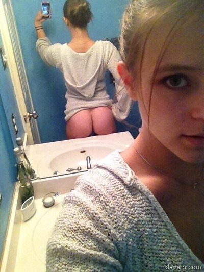 Селфи девушек без одежды
