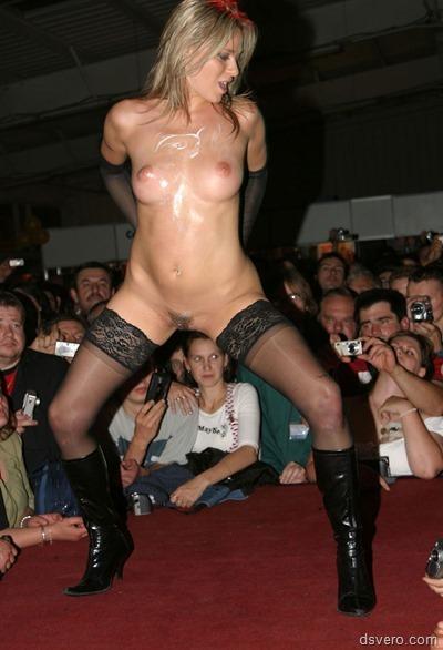 Эротические фотографии с секс шоу