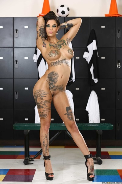 Bonnie Rotten, Татуировки, Сквиртинг