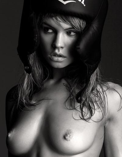 Анастасия Щеглова для журнала Invoice