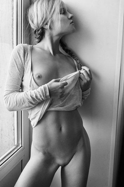 Голые девушки от Александра Талюка