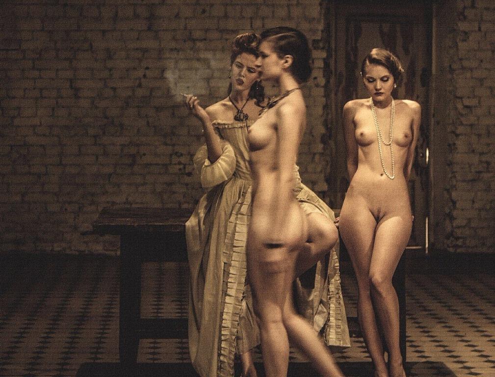 Голые девушки  смотреть фото красивых девушек бесплатно