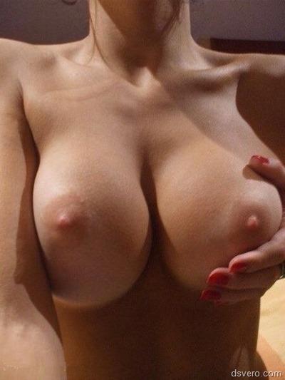 Классные голые сиськи