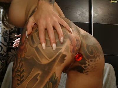 Webcam модель в татуировках Chaturbate
