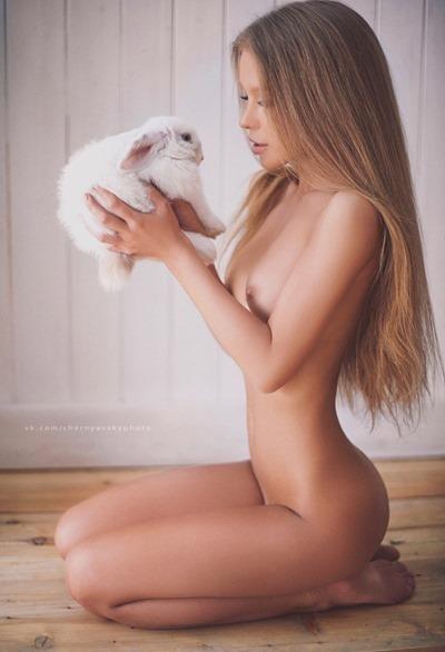 Чернявский Кирилл и его голые девушки