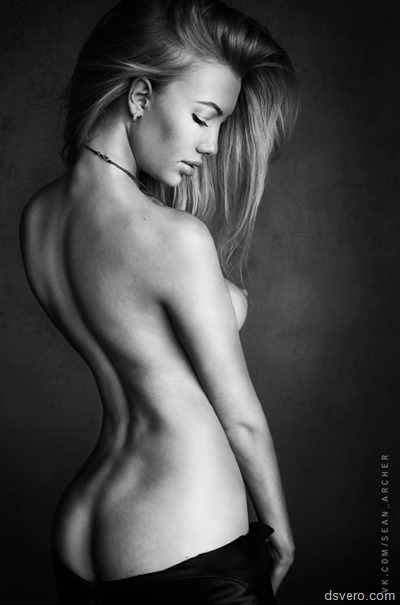 Пятьдесят эротических фотографий