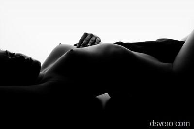 Черно-белая эротическая фотография