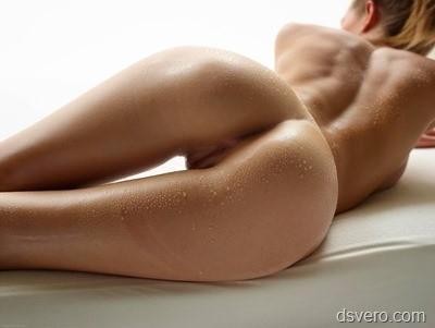 Женские попки с половыми губками