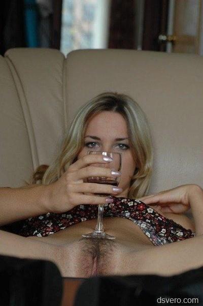 Одиночество, вино и небритость