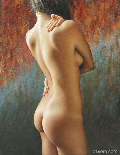 Вид голой девушки со спины