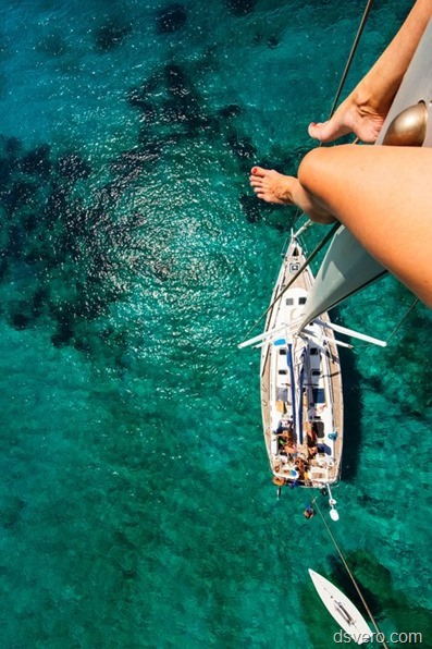 Сексуальные голые красотки на море