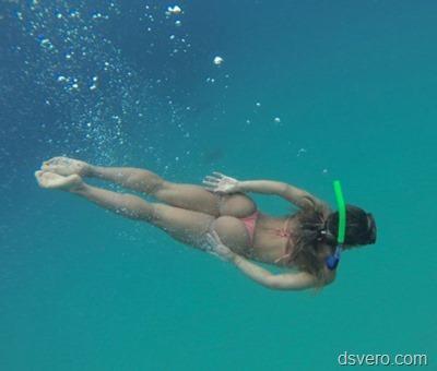 Голые девушки под водой