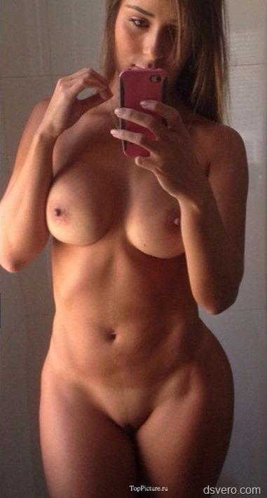 Селфи фото голых молодых девушек